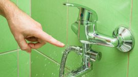 Zalanie mieszkania przez sasiada – jak uzyskac odszkodowanie z OC sprawcy