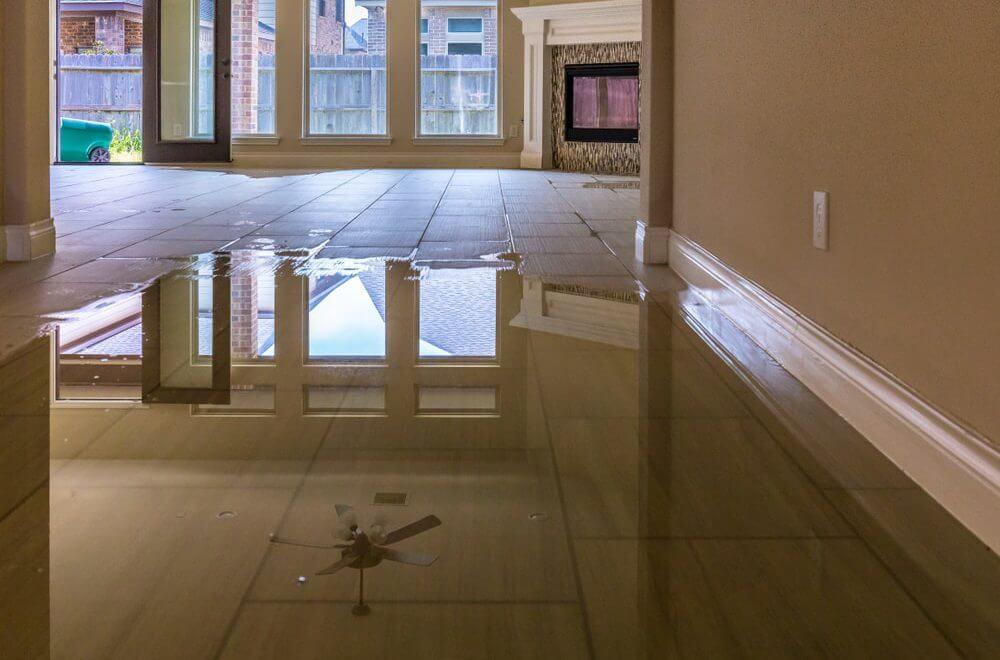 Jakie kroki podjac, by uchronic swoje mieszkanie przed zalaniem
