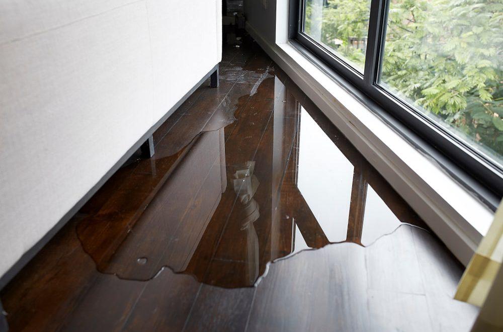 szkody po zalaniu mieszkania